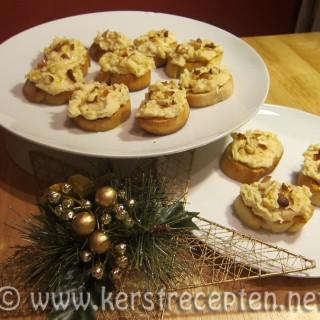 Boterbonendip met geroosterde knoflook en Parmezaanse kaas