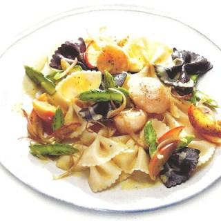 Pasta met Sint-Jakobsschelpen en aspergepunten