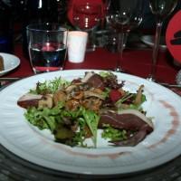 Salade met gerookte eendenborst en bospaddenstoelen